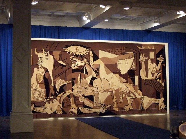 Guernica_at_the_Whitechapel_-_geograph.org.uk_-_1593698